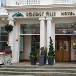 Holiday Villa Hotell